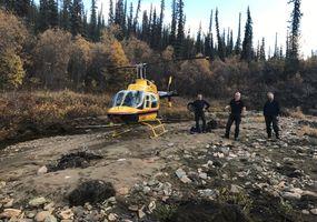 Abstecken mit dem Helikopter am Pat Murphy Creek